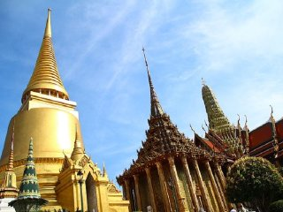 Temple of the Emerald Buddha (Wat Phra Kaeo) © Khryselakatos