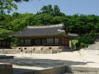 ChangGyeongGung Palace © Bryan Dorrough