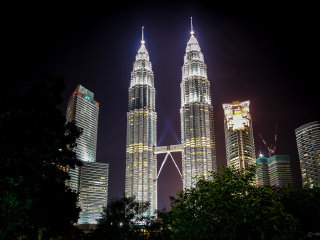 Petronas Twin Towers © Hadi Zaher