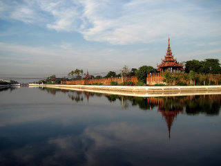 3 days in Mandalay with kids © Paul Holland