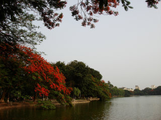 Hoan Kiem Lake (Lake of the Restored Sword) © Francisco Anzola