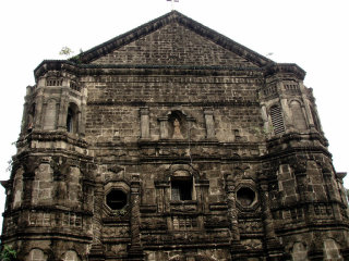 Malate Church © Jun Acullador