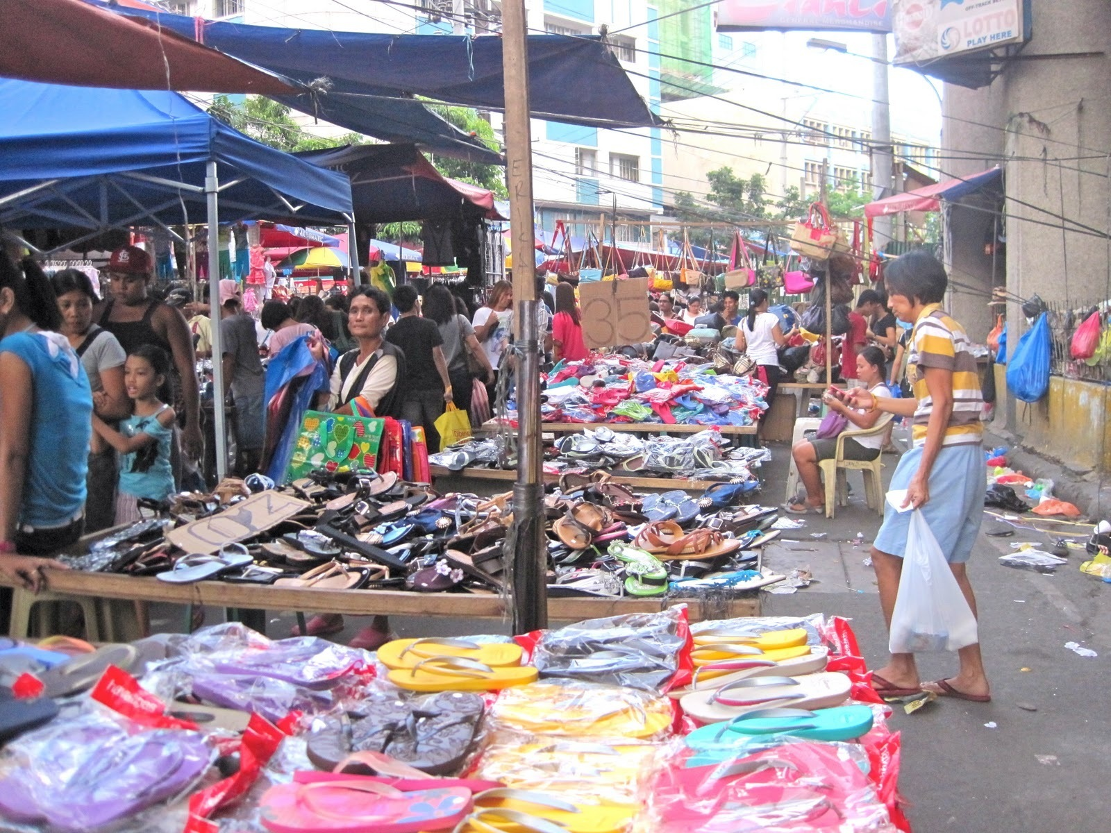 Divisoria market in manila shopping in manila philippines justgola divisoria market copy corey cameron solutioingenieria Image collections