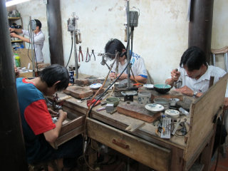 Reaching Out - Hoa Nhap Handicrafts