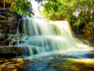 Kbal Chay Waterfall & UNTAC Beach Tour © Kim Seng