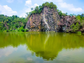 Bukit Batok Town Park (Little Guilin)