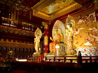 Buddha Tooth Relic Temple and Museum © John Gillespie