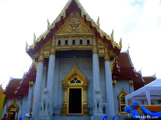 The Marble Temple (Wat Benchamabophit) © Roy