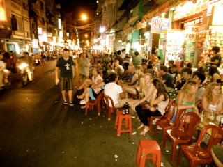 Bui Vien Street © Backpacklocals