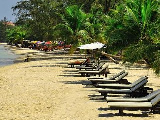 Independence Beach © mekongtripsandtours.