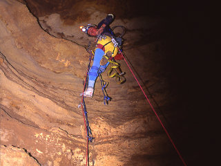 Climb and Caving Expeditions © coplateau