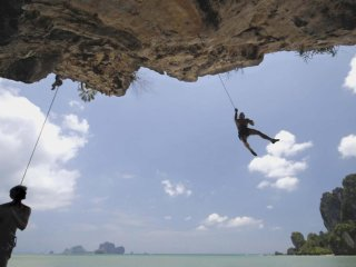 Climb and Caving Expeditions © phulay-bay