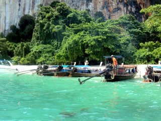 Hong Island by Speed Boat or Longtail Boat Join Tour © nilakshi