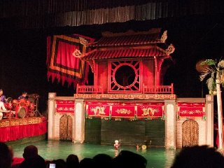 The Golden Dragon Water Puppet Theatre © a7santestahel.blogspot