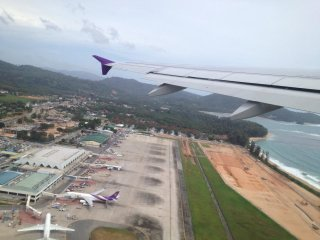 Phuket International Airport © citiviu