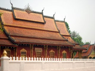 Wat Sensoukaram (Red Temple) © battered-suitcases