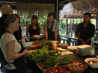 Tamarind's Lakeside Cooking School © pearlspotting