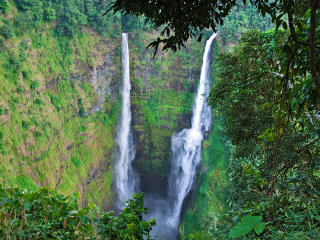 Tad Fane Waterfall © Exotissimo Travel