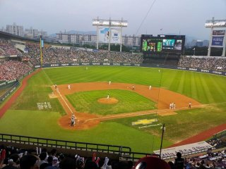 Jamsil Baseball Stadium © Evelyn Kim