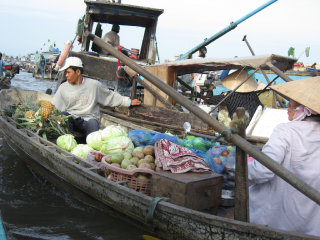 Cai Rang floating market © Houston Marsh