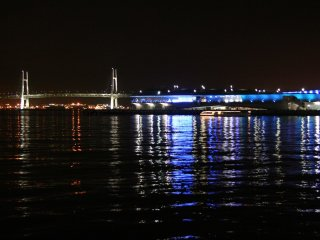 Yokohama Bay Bridge © machu.