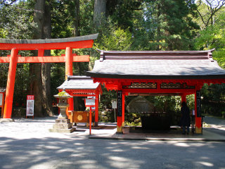 Hakone Shrine / Kuzuryu Shrine Singu © Mark Doliner