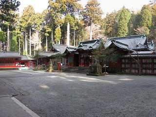 Hakone Shrine / Kuzuryu Shrine Singu © Aimaimyi