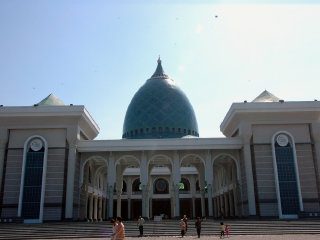 Al-Akbar Mosque © fox2mike
