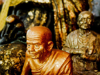 Wat Tham Suea Caves (Tiger Cave Temple) © Cairoic