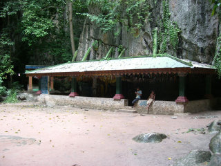 Phnom Kampong Trach Cave © Peter Collins