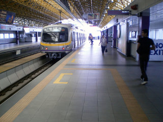 Manila Light Rail Transit System © Philippinerailways