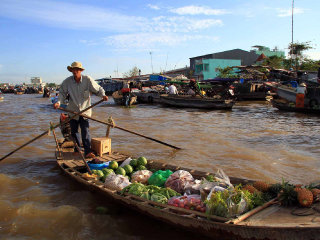 Cai Rang floating market © Guido da rozze