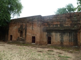 Kyansittha Umin (Cave Temple)