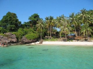 Explore Phu Quoc Island by cruise