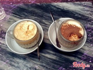 Giang Cafe (hot egg coffee) © foody.vn