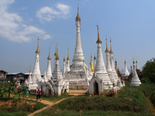 Trekking from Kalaw to Inle 3 days tour © brianholsclaw