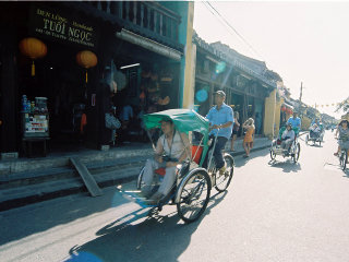 Hoi An Cyclo Tour and Boat Cruise On The River © Khánh Hmoong