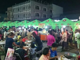 Krabi Night Market / Walking Street © Gerald Olano