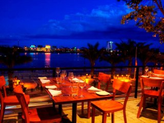 Waterfront Danang Restaurant & Bar © Waterfront Danang Restaurant and Bar
