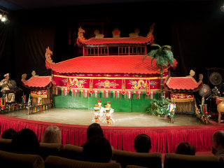 The Golden Dragon Water Puppet Theatre © Ingmar Zahorsky