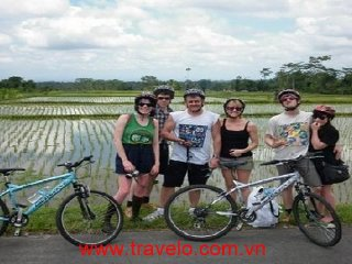 Bat Trang Village Cycling One Day Tour