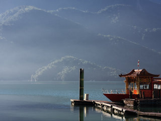 Sun Moon Lake © Mark Kao