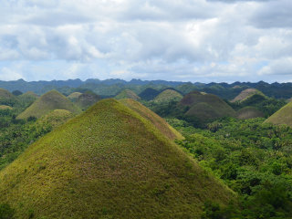 Chocolate Hills © oldandsolo