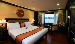Stalight Cruise Halong Bay 2D1N