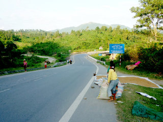 Mui Ne - Central Highland -Ho Chi Minh trail- Hoi An (7days/6nights) © Muineeasyrider