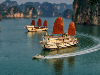 Paradise Luxury Cruise 3D2N HaLong Bay