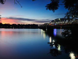 Hue City Sunset Boat Tour with Dinner & Folk Music