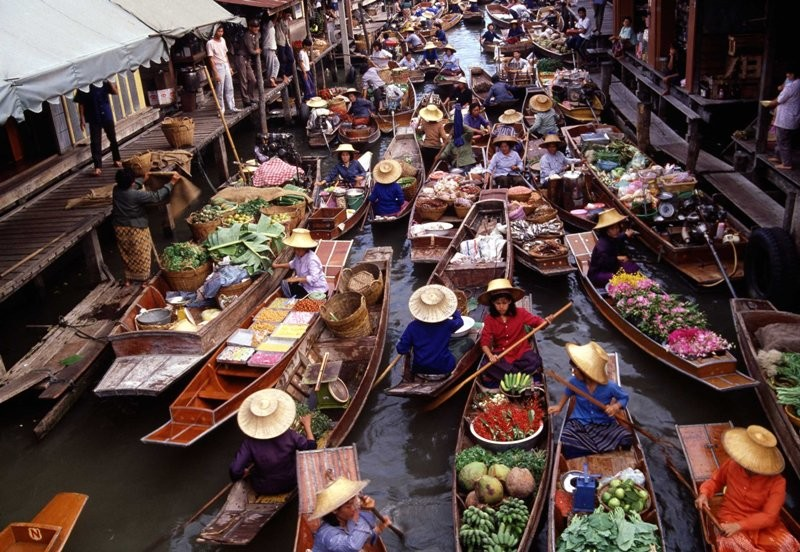 Floating Market and Rose Garden Thai Culture Show Tour