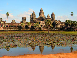 Transfer: Angkor Small Circuit + Banteay Srei Temples