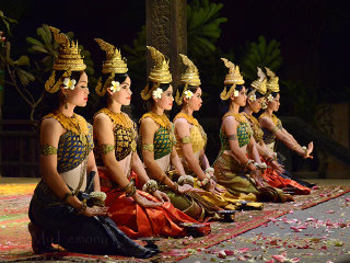 Transfer: Angkor Grand Circuit+Banteay Srei Temples+Kbal Spean Hill